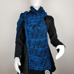 DKNY Blue & Black Chunky Knit Scarf NWT